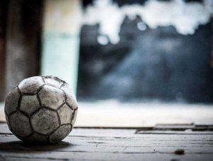 bola de futebol usada