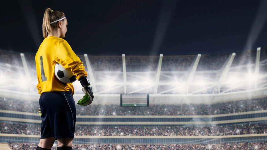 O futebol feminino e o mito do ambiente livre de intolerância