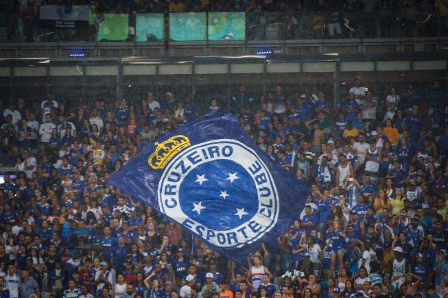 As pedras no caminho do futebol brasileiro